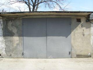 Продаю капитальный гараж с клaдовой в центре г. Крикова по ул. Тинеретулуй 11