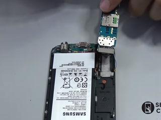 Samsung Galaxy Note 3 (N9000/N9005) Nu se încarcă smartphone-ul? Înlocuiți conectorul!