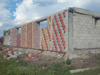 Vind o constructie inceputa pe traseul Chisinau Soroca.