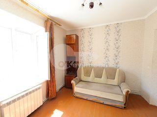 Casă cu 3 camere, 100 mp, Poșta Veche, 250€ !