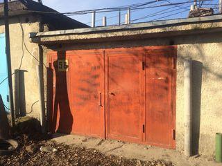 Cumpar garaj sau loc de parcare