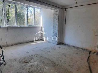Se vinde apartament cu 3 camere,90m2 . Bloc nou, Regiunea Jubileu,garaj-66000 euro