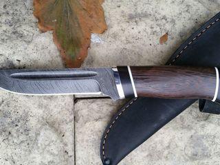 Ножи дамасcк 800 слоёв охотничии, ручная работа, твердость клинка(HRC- 62), с клеймом мастера, ножны