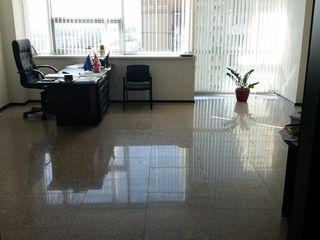 Se oferă spre închiriere oficiu de 35.3 mp, cu sau fără mobilier.