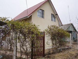Se vinde casa de vacanta in Maximovca , 70mp , 6 ari , 20.000e