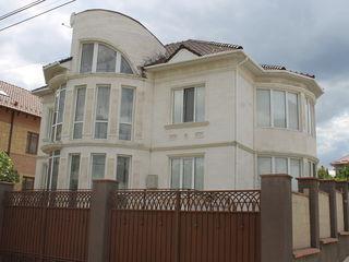 Дом Премиум-класса в элитном месте на Рышкановке. Евроремонт.