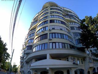 apartament de lux 4 odai centru/ эксклюзивная квартира в центре