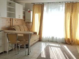 Chirie, 2 odai,  Panoramic, Centru, 270 €