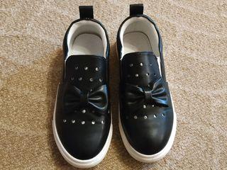 Слипоны (туфли) на девочку размер 32-33