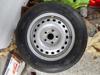 Vind o roata de rezerva. Kleber 195/70 R15. 600 Lei Запасное колесо (запаска)