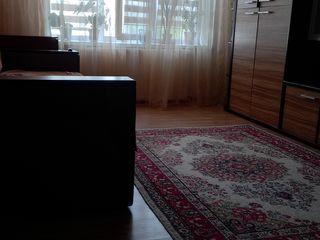 Vind apartament cu o cameră gata de trai