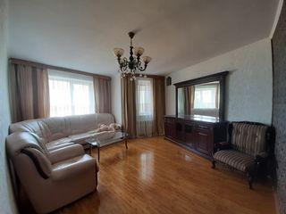 Apartament spațios cu 5 camere, amplasat în sectorul Râșcani al capitale, zonă accesibilă