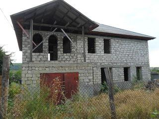 "Незавершённый 2-х этажный дом в микрорайоне ""Ливада"" г. Яловень по ул. Бэлческу. Цена: 42900 евро."