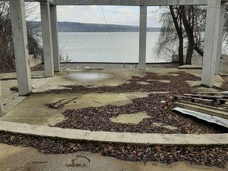 Каттедж с подвалов и террасой с прекрасным видом на о.гидигич