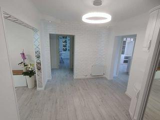 Se vinde apartament cu euroreparație !!!