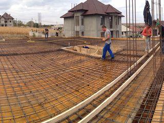 Construim case