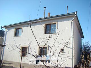 Urgent! Stăuceni, casă în 2 nivele, 250 mp + 6 ari, 120000 euro!