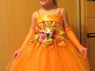 Детские платья и карнавальные костюмы  на прокат!