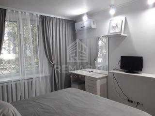 Chirie  apartament cu 2 odăi, Centru, str. Constantin Negruzzi, 350 €
