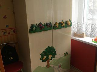Шкаф детский б.у - 2000 лей