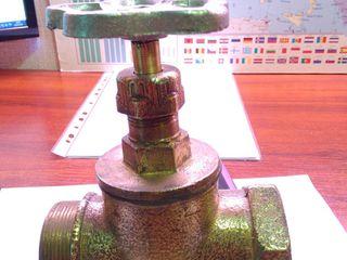 Вентиль Латунь на 50 мм. вес - 2.5 кг . Советские - Новые. 5 - штук.