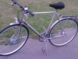 vând super bicicleta cu 2000 mdl