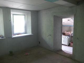 Два дома, основной дом белый вариант, второй дом без ремонта, стеклопакеты, новая проводка,  большой