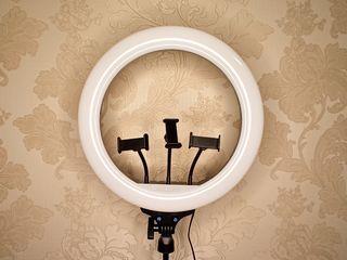 Vand LED lampa inelara cu diametru de 36cm. Продам кольцевую светодиодную лампу!!