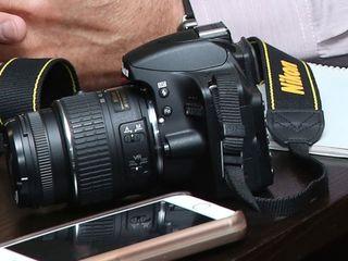 Vînd aparat profesional Nikon D3100 cu tot cu obiectiv
