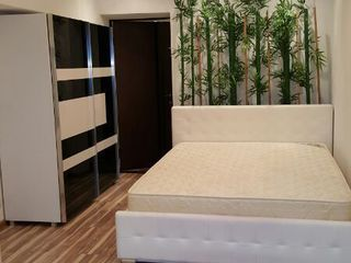 4-room VIP apartment for sale! Center of Chisinau, Stefan cel Mare 6! Last floor!