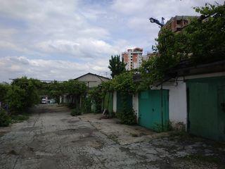 За Чуфлей. Срочно продаётся гараж на 2 машины, ул. Валя Трандафирилор (возле новостроя).