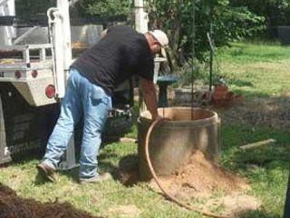 Curatarea și săparea fintinilor cu apa potabila. Lucrăm in toate raioanele Moldovei,  lucrarile se d