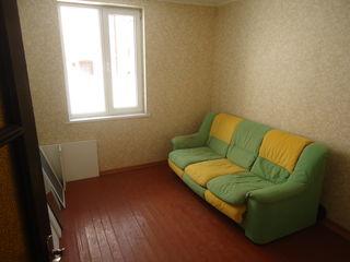 Vand apartament 2 camere la pamant. Telecentru, str. Dokuceaev.
