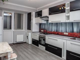 Chirie apartament cu reparatie euro complet mobilat si utilat +parcare auto subsol .350euro/lunar