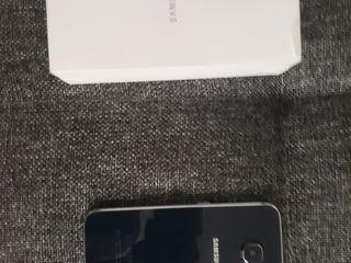 Telefonul este nou in cutie dar e copie..(corea de nord)