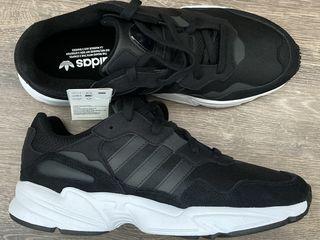 """Кроссовки """"Adidas"""". Размер 44, 45."""