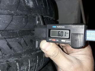 Michelin R15 195/60 rezina na diskah R15 5/100 ot Avensis oceni horoshaea bez difectov