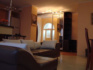 Apartament cu 3 camere,Buiucani,Design Individual !!!