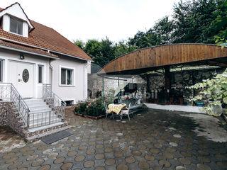 Casă 3 nivele, 327 mp, teren 8 ari, Buiucani, Str. Milano, 239000 €