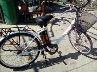 Vind bicicleta electrica adusa din Italia