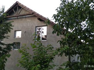 Продается дом в очень хорошем районе,пос. Сагайдак 15 км. от Кишинева  индивидуальный дизайн!!!