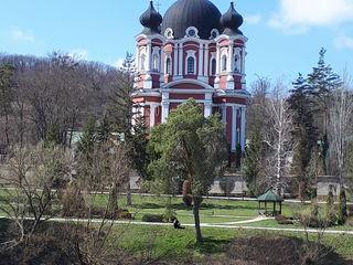 Vanzare. Teren cu titlu pentru construcție 70 ari in Orhei lângă Mănăstirea Curchi.
