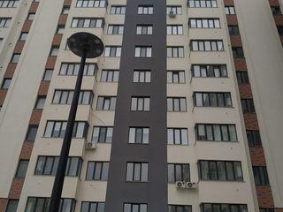 Exfactor! Spre vinzare apartament cu 1 odaie + living in sec. Buiucani. Bloc nou, euroreparatie.