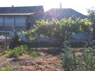 Vând casă în Hrușova la 18 km de la Chişinău sau schimb cu cameră în Chişinău - Negociabil