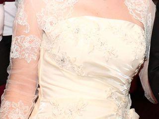 Продам красивое свадебное платье на корсете.