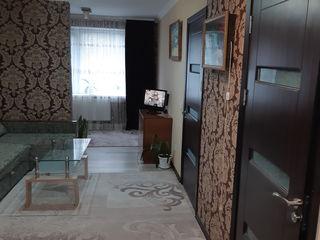 Vand apartament 2 camere + living