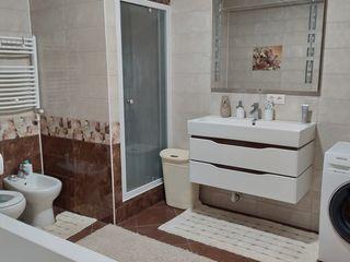 Orhei-centru 152-m2 ; apartament-lux
