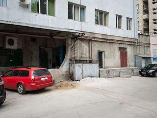 Chirie depozit 400 mp Botanica bd. Dacia 1200 €