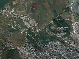 Приватизированный участок 6 соток, есть летний домик 2 этажа, веранда, 2 км от Кишинева