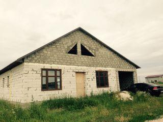 Se vinde casa in or. Falesti vizavi de fabrica de metal. Construita calitativ la doar 10000 euro
